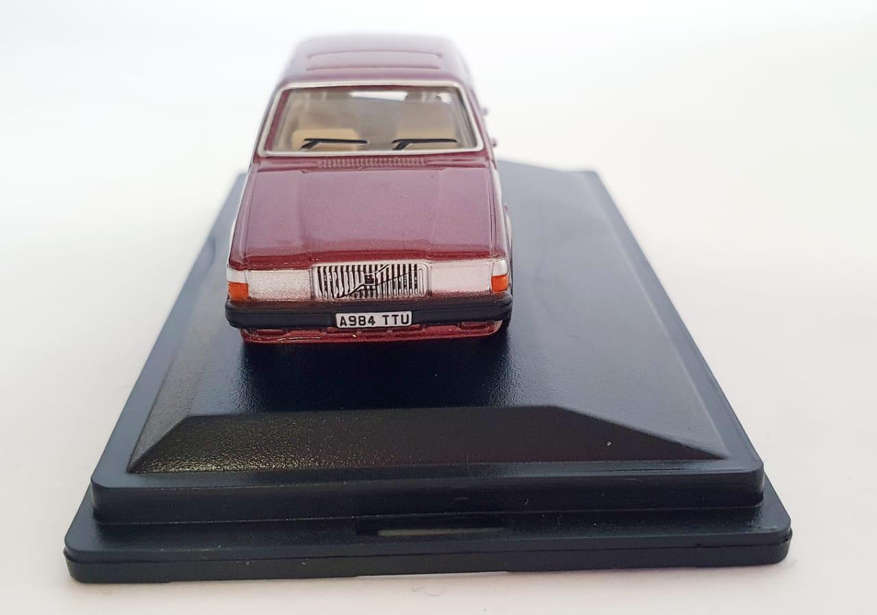 Miniatura Volvo 760 Red Wood Metallic 1/76 Oxford