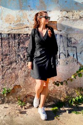 VESTIDO AS FILHAS DA MÃE MOLETOM TRANSPASSADO PRETO FEMININO