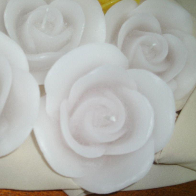 Vela Flutuante Formato de Rosa