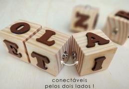 Brinquedo Pedagógico de Madeira - 5 Cubos LigaLetras, da Cute Cubes - Cód. CC415