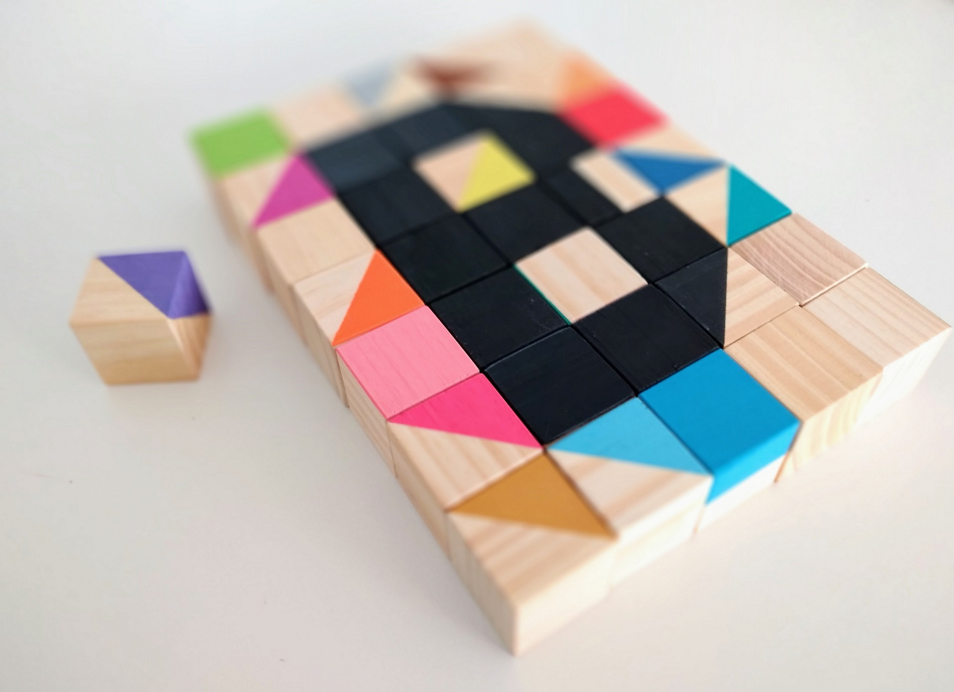 ABC-Cubos, 36 Blocos Coloridos de Madeira, da Cute Cubes - Cód. CC311