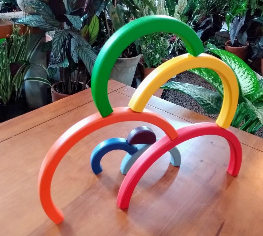 Brinquedo de madeira Arco-íris, da Fábrika dos Sonhos - Cód. FS14