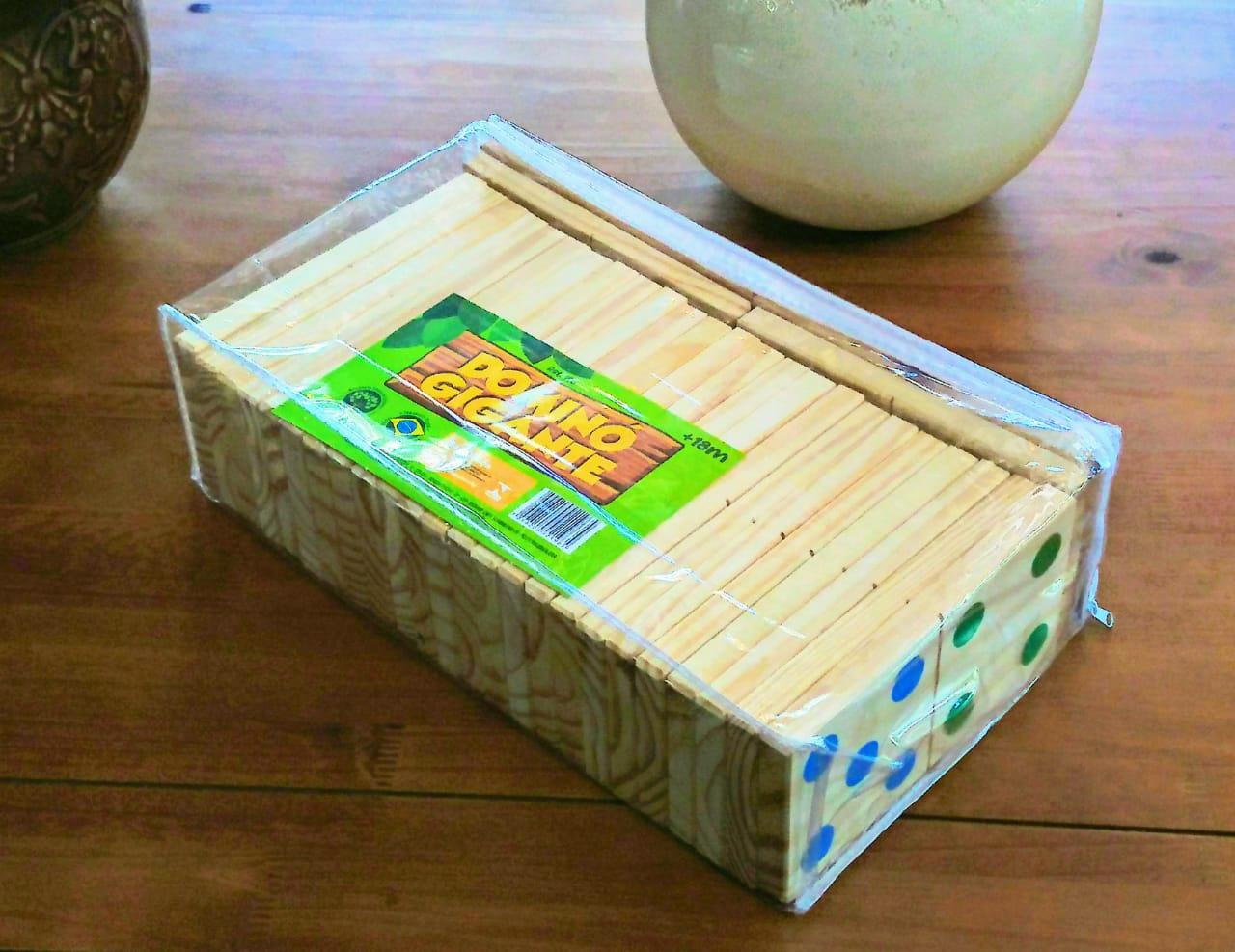 Brinquedo de madeira Dominó Gigante, da NewArt - Cód. 196