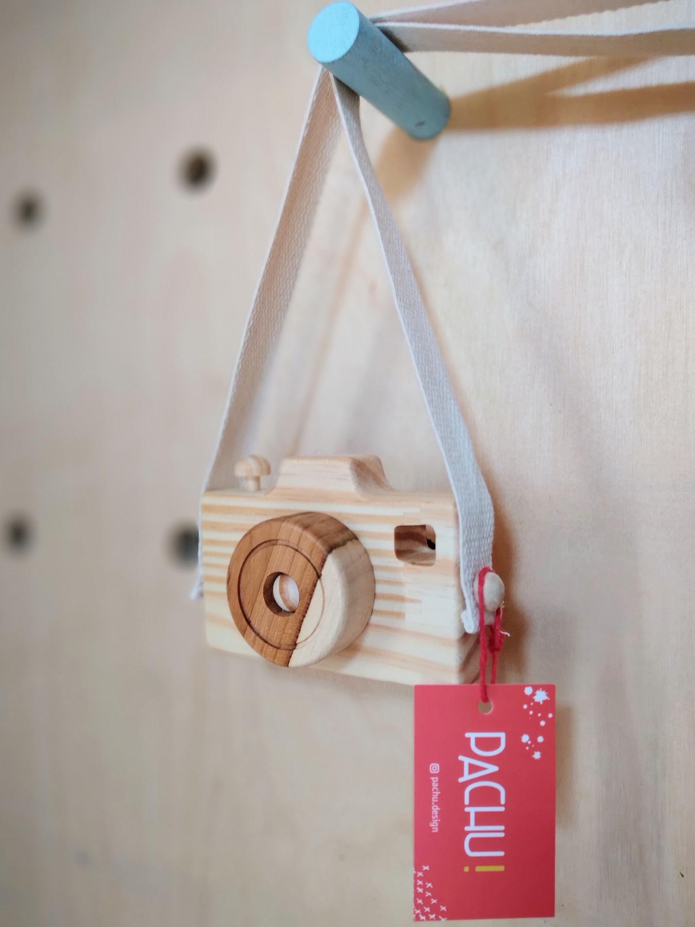 Câmera Fotográfica Lúdica de madeira, da Pachu - Cód. P-16
