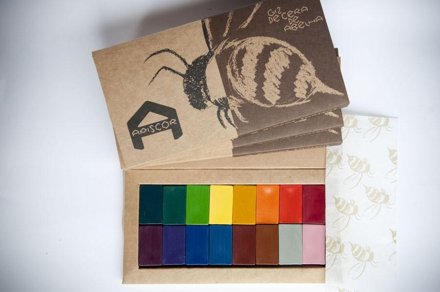 Giz de Cera de Abelha - Caixa com 16 cores (blocos), da Apiscor - Cód. AGC16B