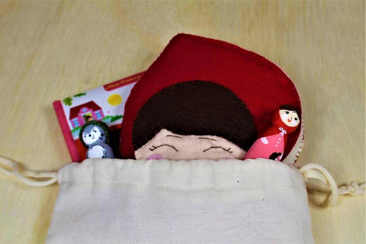 Kit brinquedos do Chapeuzinho Vermelho com livro impresso - Cód. Peg-011 + LP010