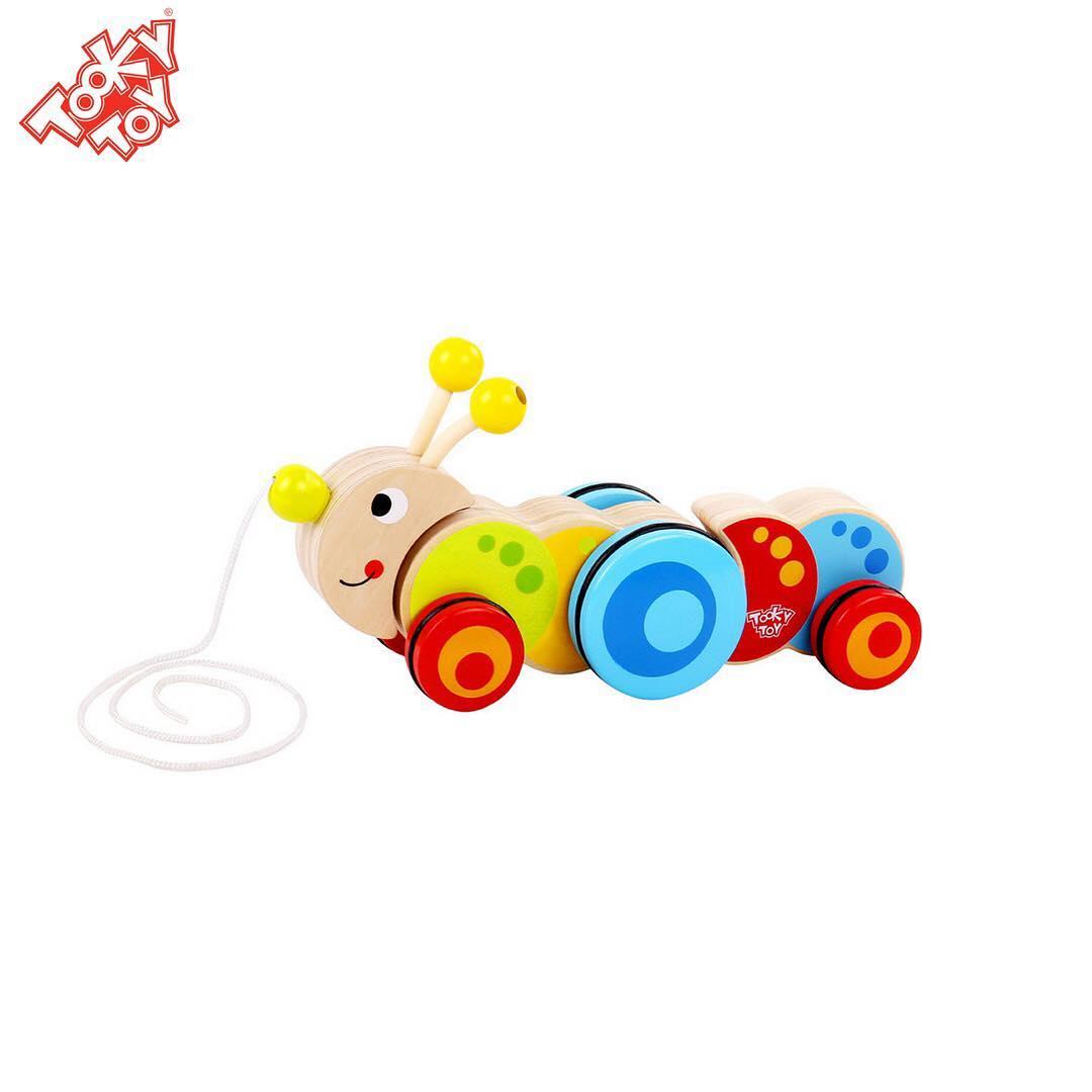 Brinquedo de madeira Lagarta de Puxar, da Tooky Toy - Cód. TKC-419