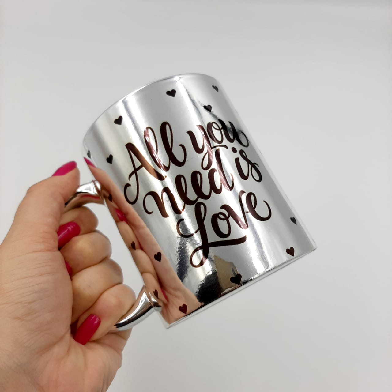 Caneca Cromada - All You Need Is Love