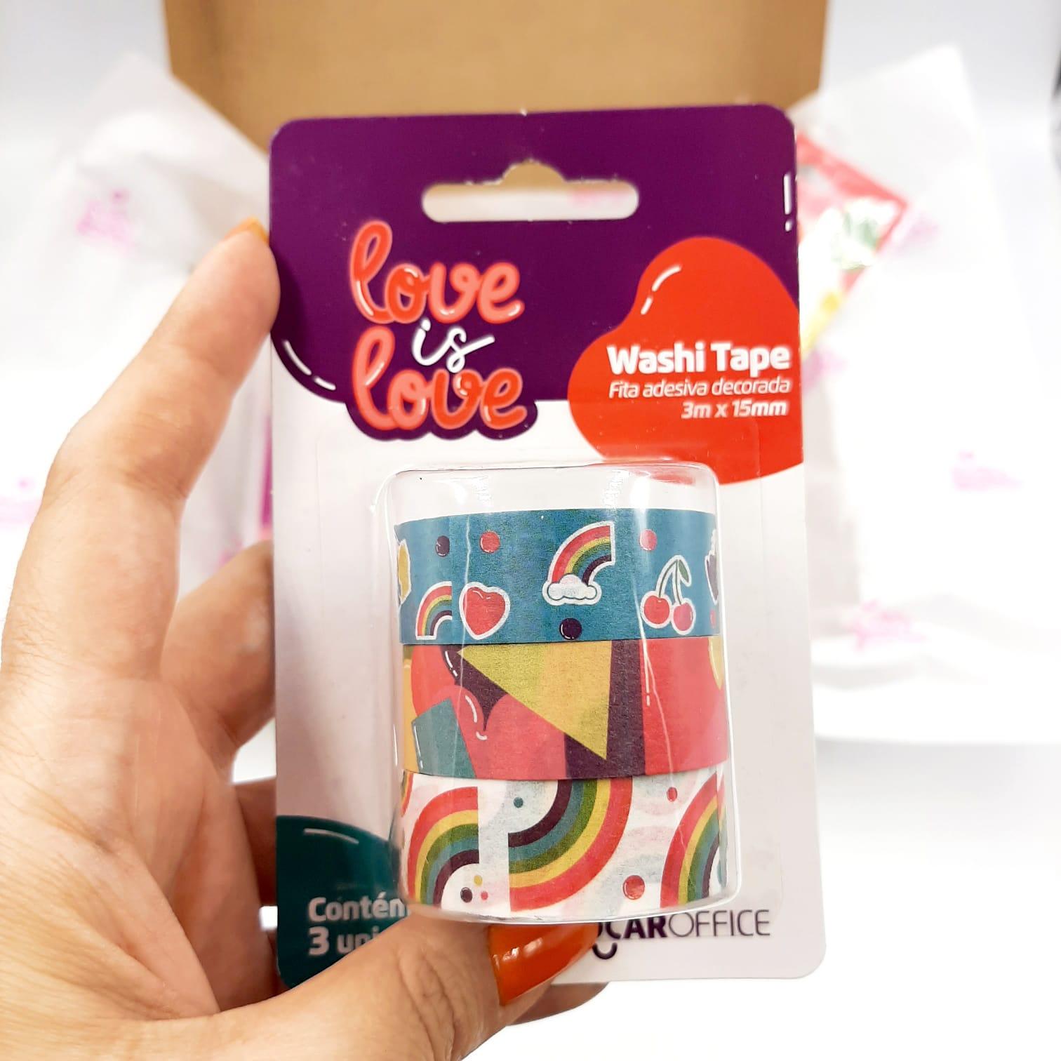 Kit de Papelaria Love is Love