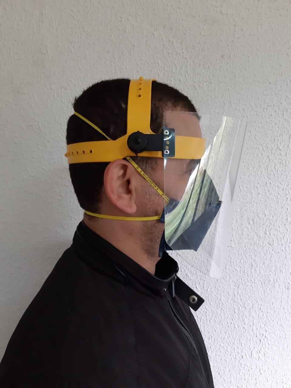 Máscara descartável  PFF2 equivalente a N95 + Protetor Facial