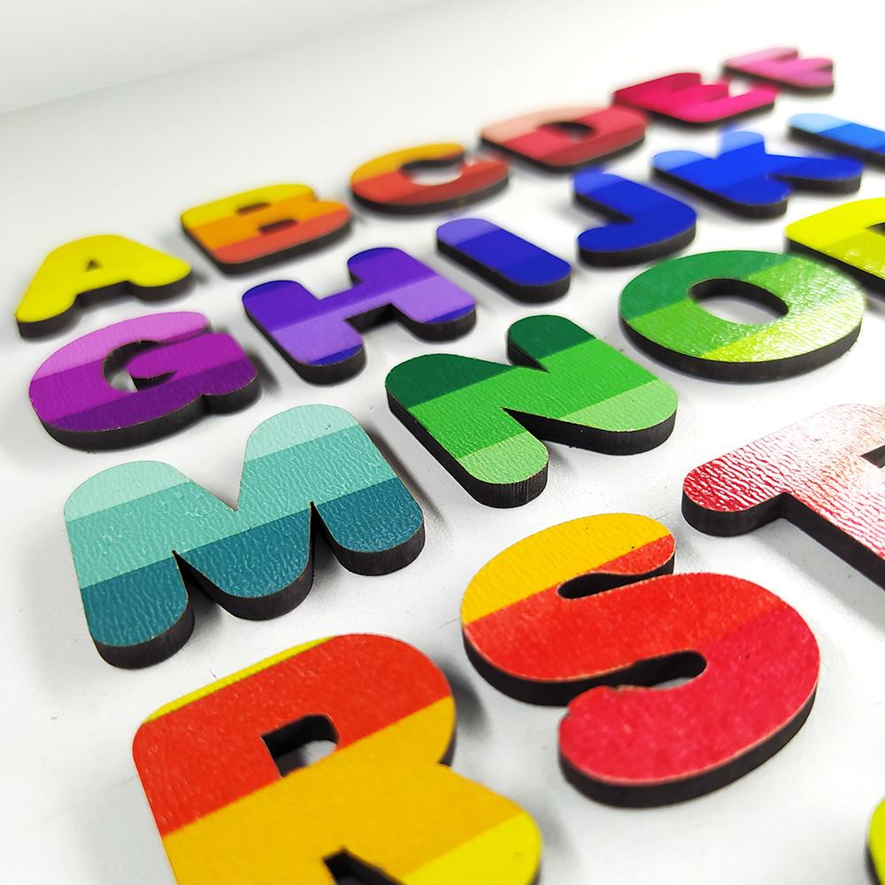 Letras Imantadas e Números para Alfabetização com Mini Lousa e Estojo 78 Peças