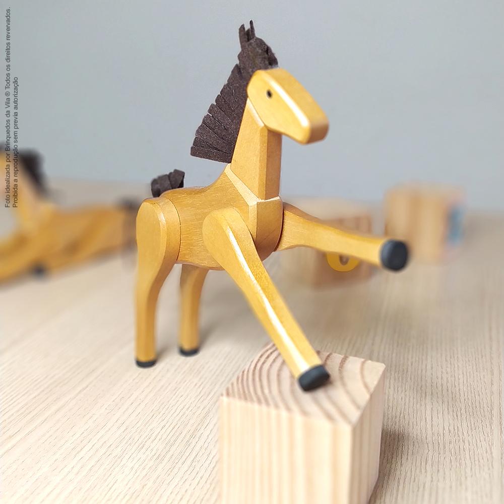 Cavalo Articulado de Madeira Brinquedo Artesanal