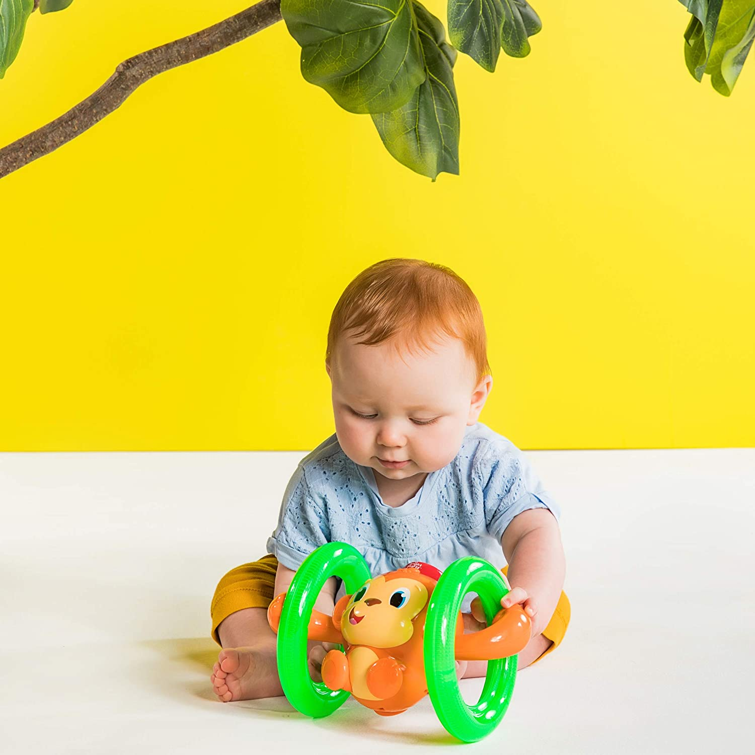 Macaco Musical Infantil Bright Stars - Roll e Glow Monkey