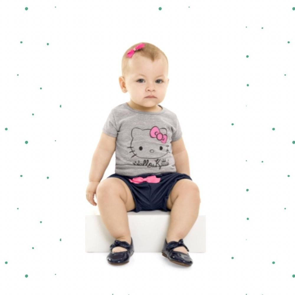 Conjunto Bebê Menina Hello Kitty Blusinha em Cotton e Shorts em Malha Jeans