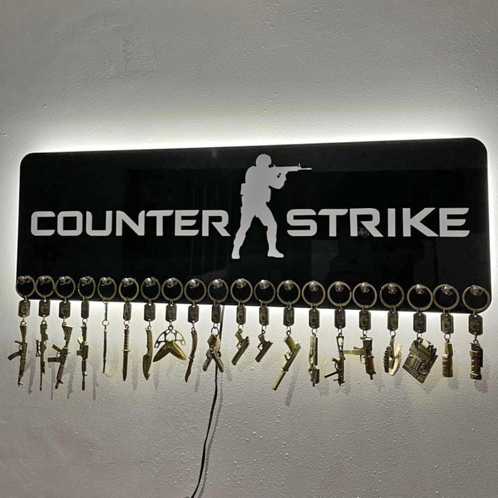 Paneil em Acrílico Preto e Branco + Logo Counter Strike + 20 Chaveiros do Global + Moldura LED