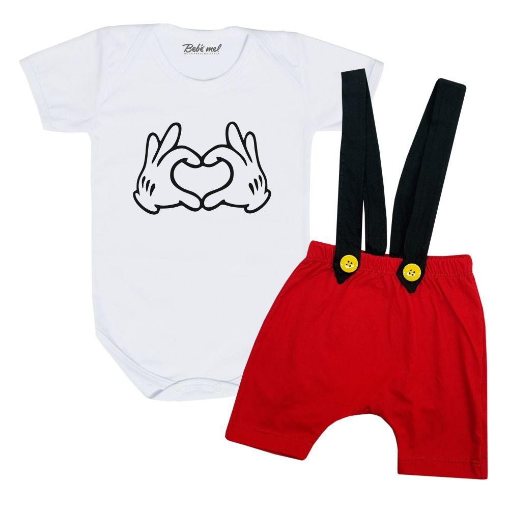 Conjunto Mickey com Shorts Suspensório Mãozinha Coração