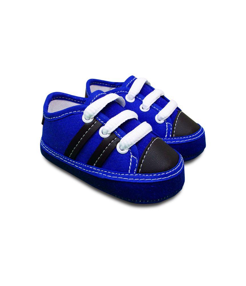 Tênis Bebê azul listras pretas Sapatinho Estiloso