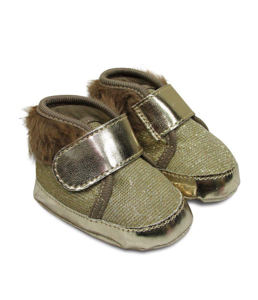 Tênis Bebê Estilo Botinha com Pelinho e Velcro Dourado
