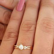 Anel com Pedras de Zirconia Cristal Banhado a Ouro
