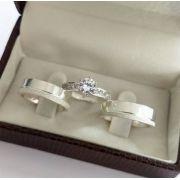 Conjunto par de aliança 6mm em prata + anel solitário folheado em prata namoro casal, cor Dourado