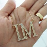Gargantilha Monograma Cravejado Banhado a Ouro