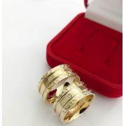 Par de Aliança 10mm Laterais Detalhes Diamantados Prata com Banhado a Ouro