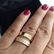 Par de Aliança 4mm Feminina Jateada / Polida Prata Banhado a Ouro