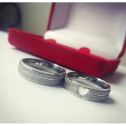 Par de Aliança 6mm Jateada Feminina Coração Vazado em Aço Inox