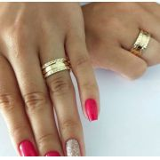 Par de Aliança 8mm Laterais Diamantadas em Prata Banhada a Ouro