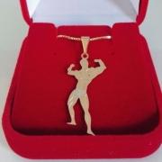 Pingente Masculino Musculação Com Corrente Banhada A Ouro 18