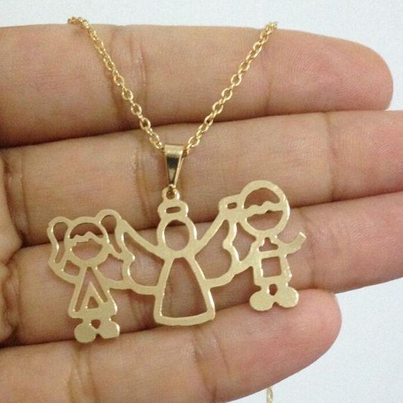 Colar Personalizado anjo e filhos Banhado a Ouro
