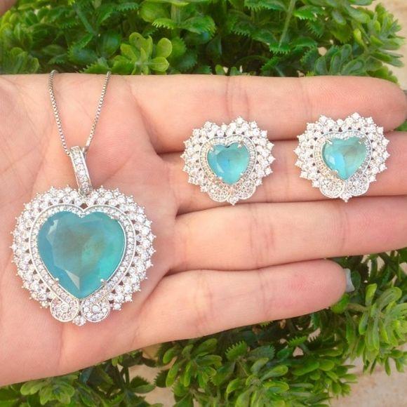 Conjunto coração luxo pedras cravejadas em banho de rhodium prata