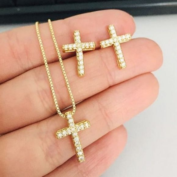 Conjunto Cruz Cravejada Banhado a Ouro