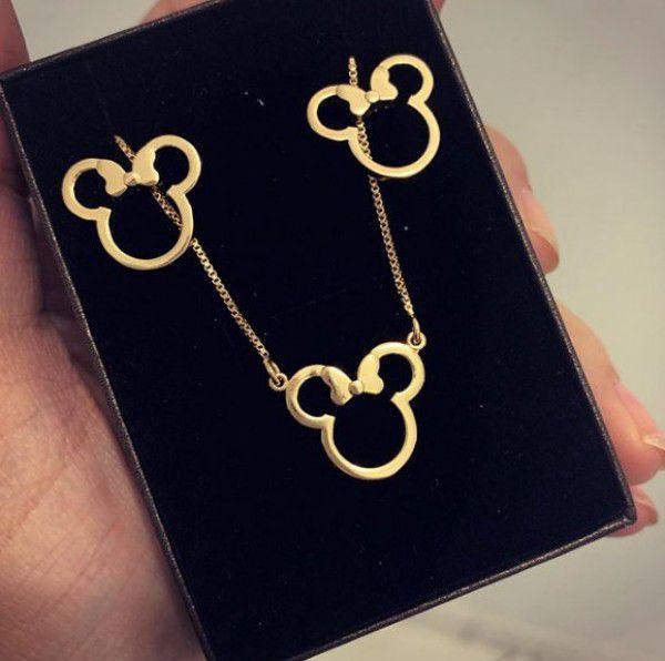 Conjunto Minnie ou Mickey em Banho de Ouro Disney