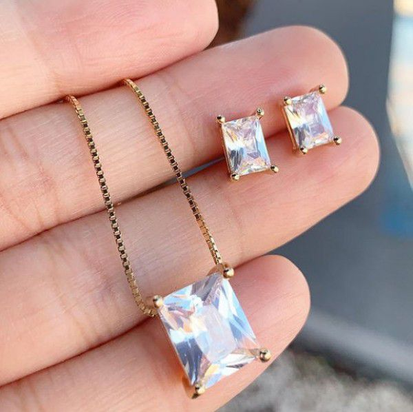 Conjunto Retângulo Cristal em Banho de Ouro