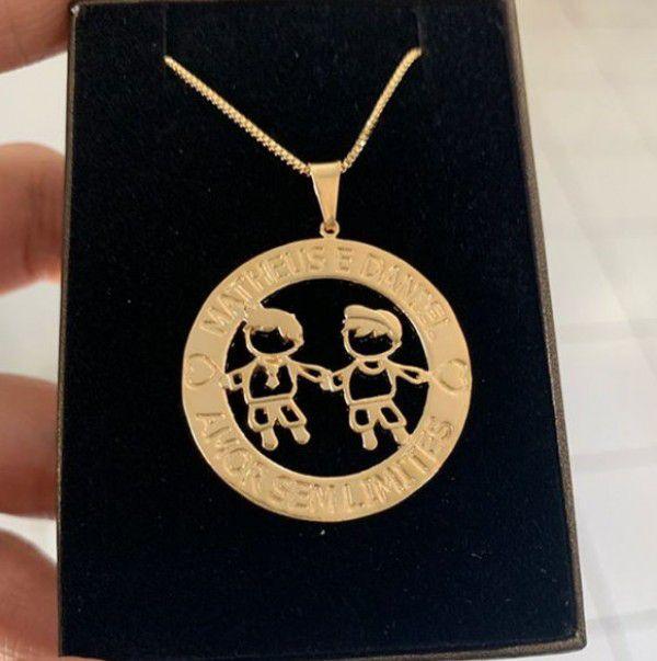 Gargantilha Mandala Personalizada Duas Meninos(as) Banhado a Ouro