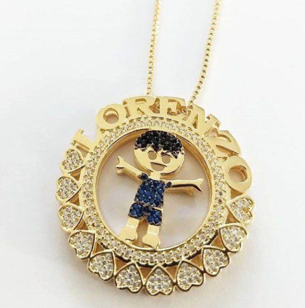 Gargantilha Mandala Personalizada Menino(a) no Centro Cravejado Banhado a Ouro
