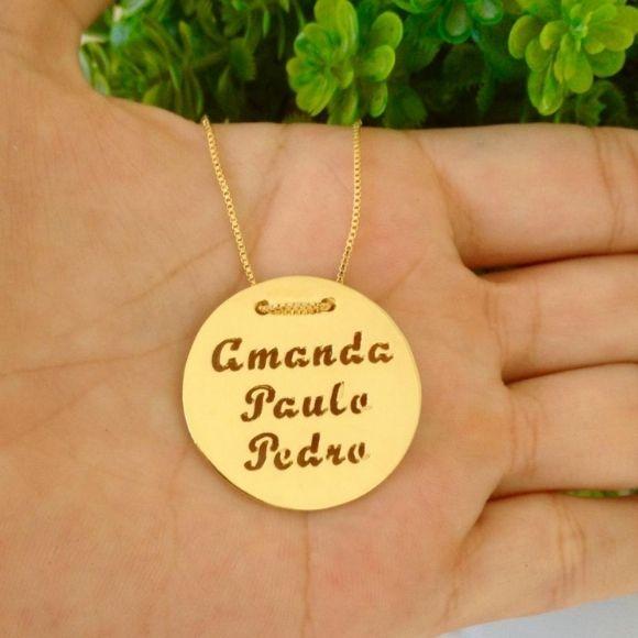 Gargantilha Medalha Personalizada Nomes Vazados Banhado a Ouro