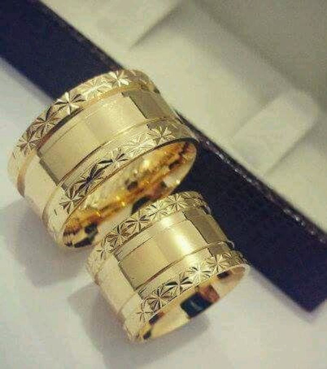 Par de Aliança 10MM com Banho de Ouro Bordas Diamantadas