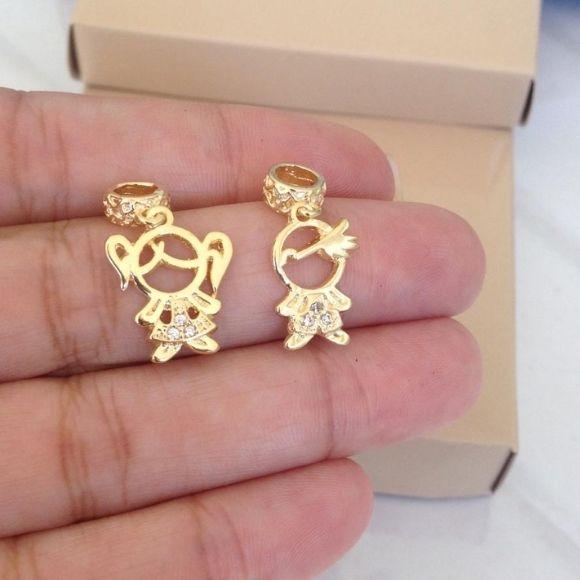 Pingente Berloque Menino ou Menina banhado a ouro