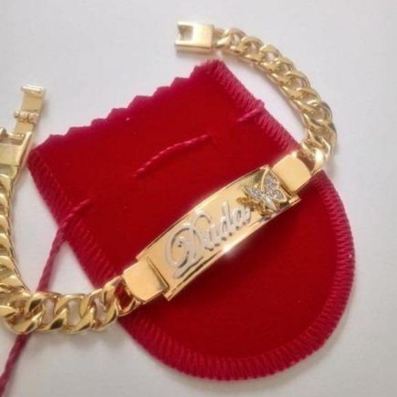 Pulseira Chapa Personalizada com Borboleta Cravejada Banhado a Ouro