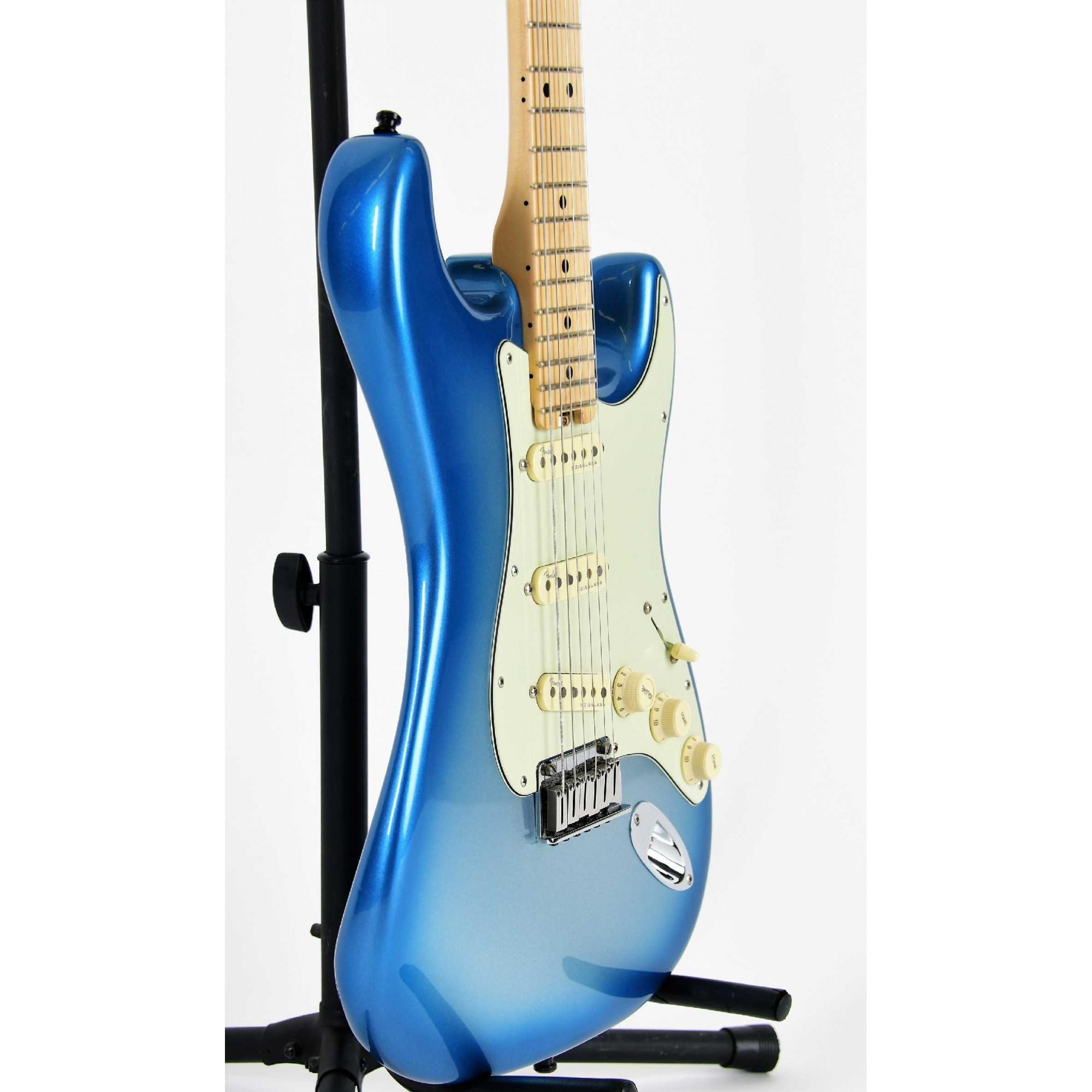Fender American Elite Stratocaster Sky Metalic Burst Seminova