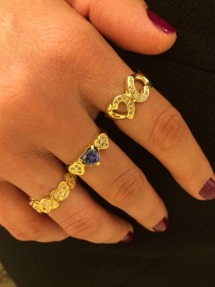 Anel Corações com Zircônias Cravejadas Folheado a Ouro 18K