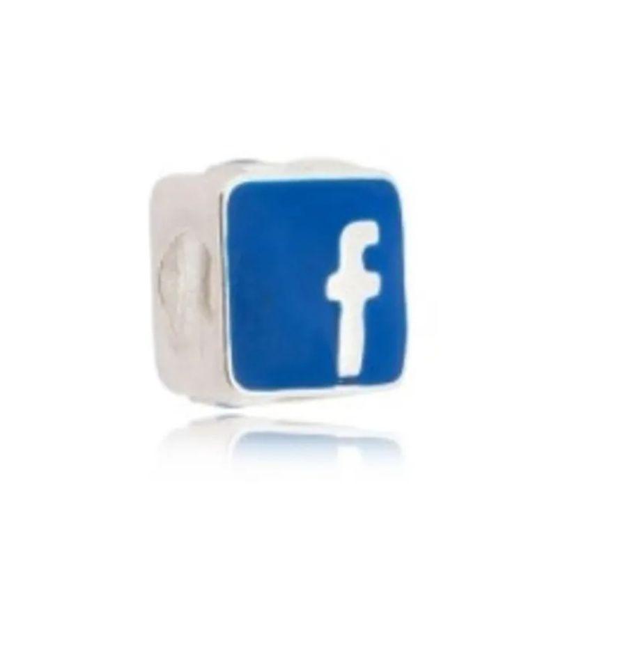Berloque Facebook Folheado em Ródio Branco