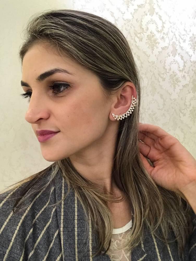 Brinco Ear Cuff com Zircônias Cravejadas Folheado a Ouro 18K