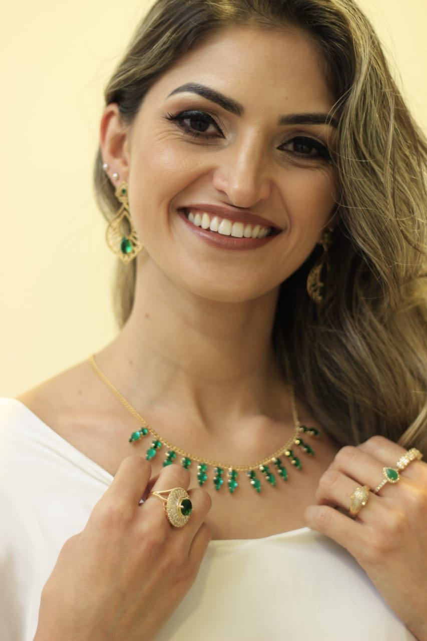 Brinco Folha com Cristal em Gota Verde Esmeralda Folheado a Ouro 18K