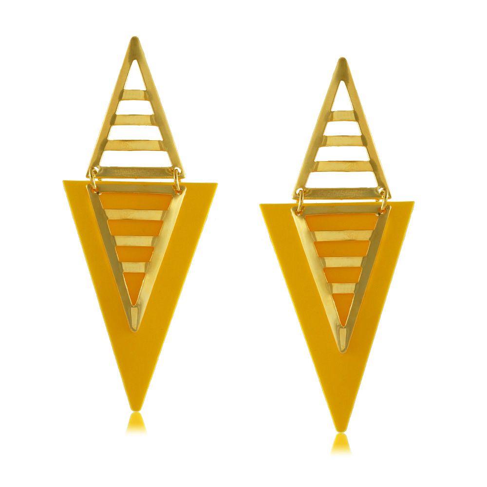 Brinco Triângulo Amarelo com Detalhes Vazados Folheado a Ouro 18K