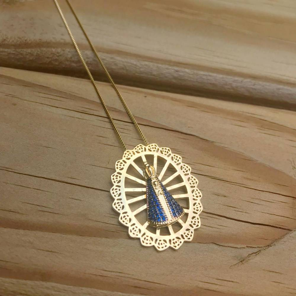Colar Mandala Rendada Nossa Senhora Aparecida em Zircônias Folheado a Ouro 18K