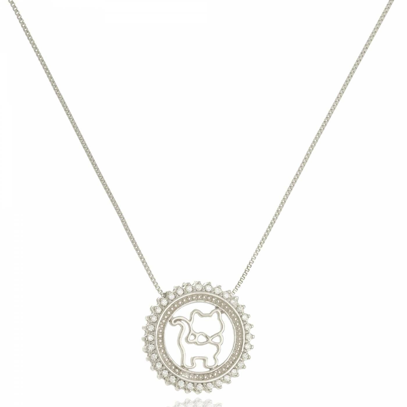Colar Medalha Gatinha com Zircônias Folheado em Ródio Branco