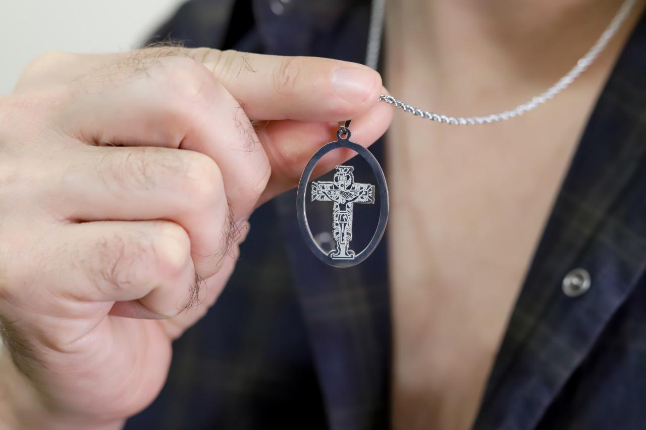 Corrente masculina aro com crucifixo em inox